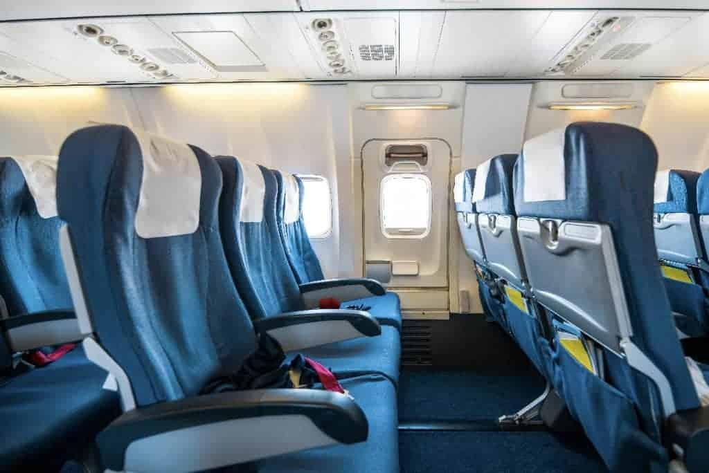 บริการทำความสะอาดพร้อมฆ่าเชื้อโรคภายในเรือและเครื่องบินส่วนตัว